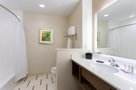 Fort Stockton, Техас: Two Queen Room Bathroom