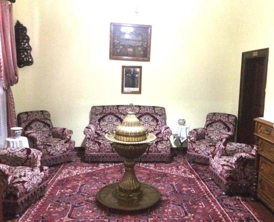 Ataturk House Museum : гостиная