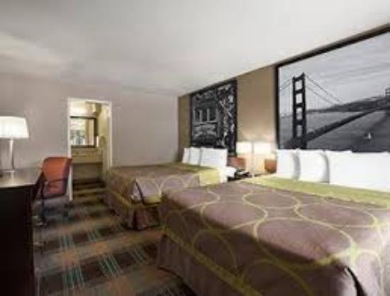 Super 8 Salinas: Double Beds