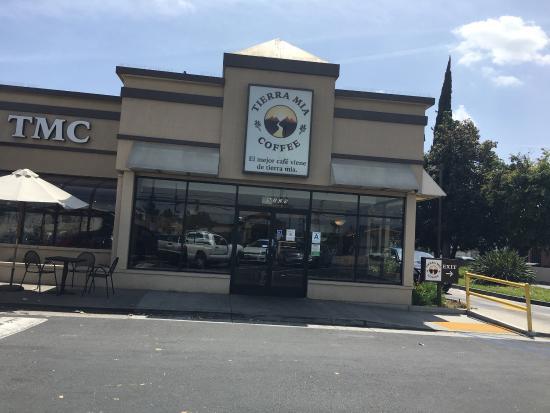 พีโคริวิรา, แคลิฟอร์เนีย: Outside and inside view.