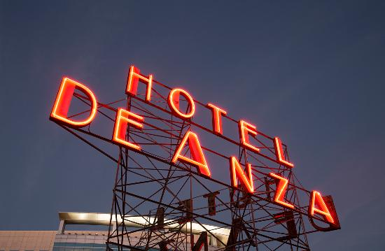 Hotel De Anza: Rooftop Neon Evening
