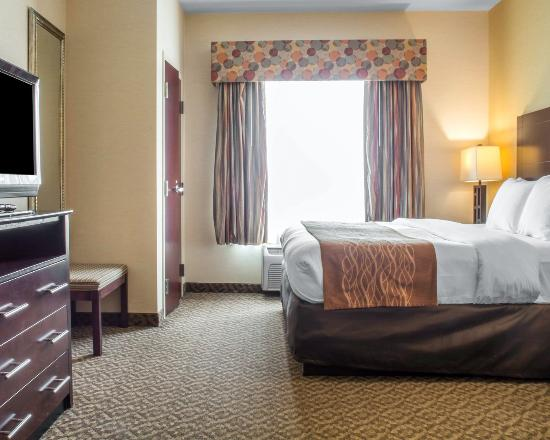 Cicero, NY: Standard King Suite