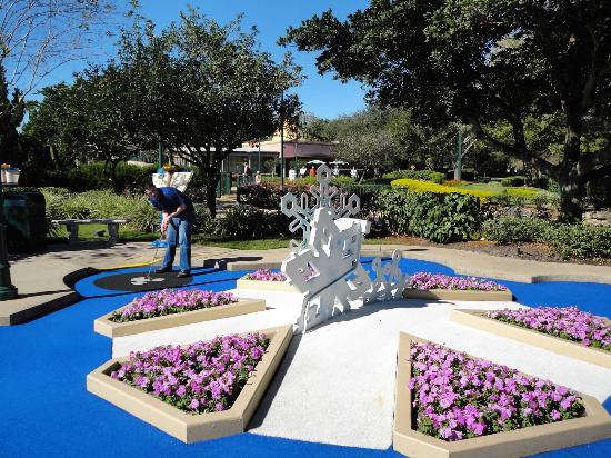 Disney 39 S Fantasia Gardens Miniature Golf Course Picture