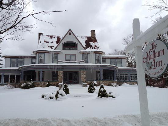 Bethlehem, NH: Outside the Mulburn Inn B&B during the winter
