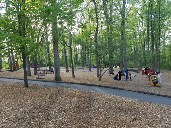 Cabin John Regional Park: Playground