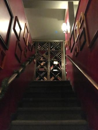 Сан-Матео, Калифорния: Attic restaurant San Mateo - the entrance upstairs