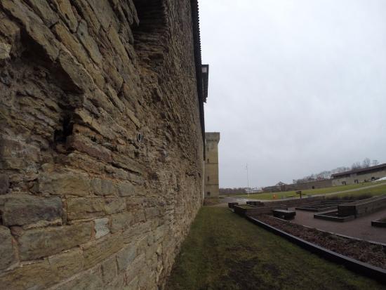 Narva, Estland: Стены крепости