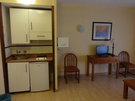 cucina soggiorno - Photo de Apartamentos Turisticos Elegance Resitur ...