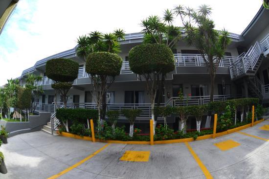 Hotel La Mesa: Estacionamient