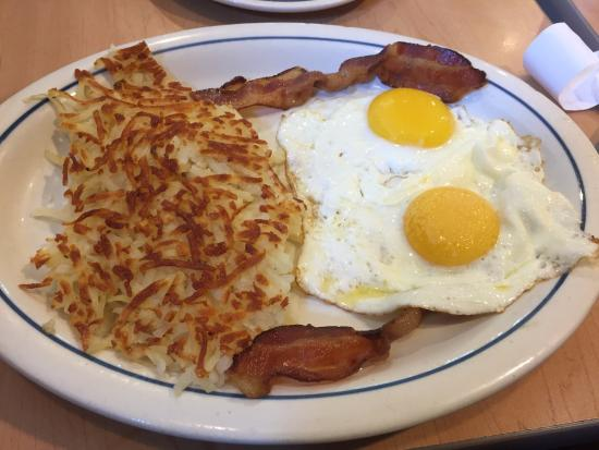 Miami Springs, FL: Bacon, hash browns, eggs and toast