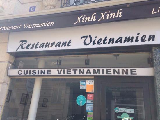 Xinh Xinh: Bonne adresse, mais un peu chère pour le quartier. Le prix de la qualité ? 😜