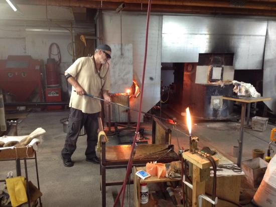Bloomfield, Canadá: Fascinating glassblowing demonstrations....
