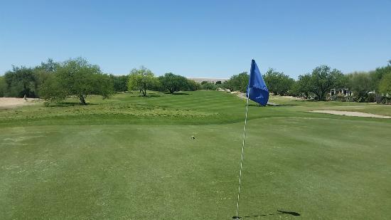 กรีนเวลลีย์, อาริโซน่า: Torres Blanca looking better every day. Golfer today, fun course, great views and surrounding ar