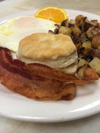 Upper Lake, CA: Come in and enjoy our $2.99 Casino Breakfast Special! Saturdays &Sundays from 9a-11a