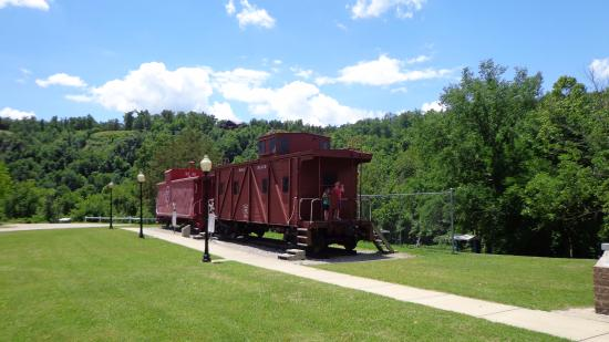 Cotter, AR: Historic train cars