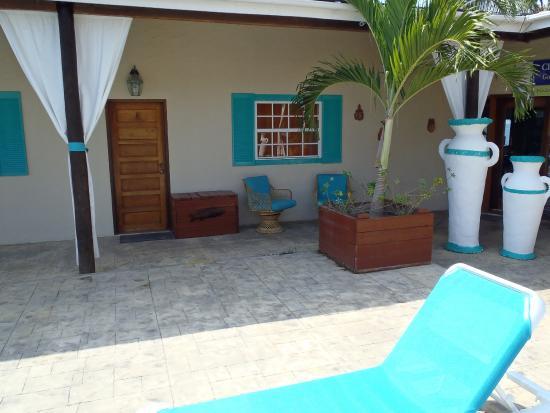 Parrot Cove Lodge Photo