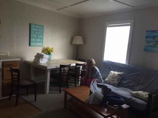 Blue Dolphin Inn Cottages Pull Out Futon Dining Table Etc