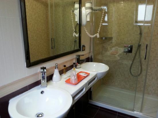 Hotel Bolzano: 20160427_081103_large.jpg