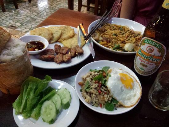 Pakse, Laos: 20160420_193337_large.jpg