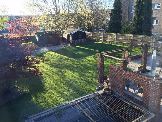 Hamble, UK: Garden View