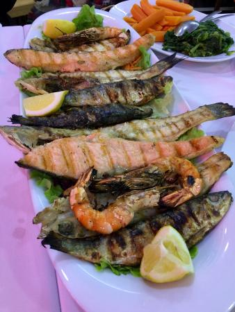 Superb, fresh, seafood selection.... At a price.