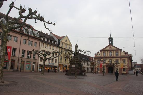 Rathaus Rastatt: Раштатт