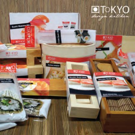 utensili per preparare piatti della cucina giapponese in ...
