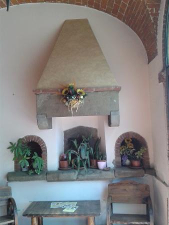 Фойано-Дельта-Кьяна, Италия: Vecchio forno all'ingresso