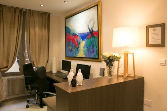 巴拉迪斯巴黎VIII舒適酒店