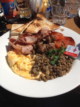 Litani's Restaurant: A different big breakfast