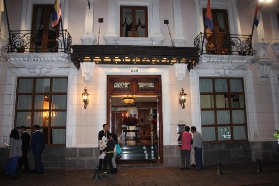 Cafe Plaza Grande : Der Eingang
