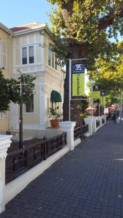 Zomerlust Guesthouse : Guesthouse view from Main Street, Paarl