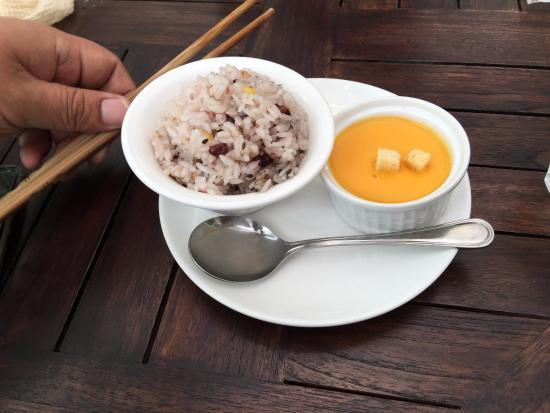 Kikugawa, Japão: ランチのライスとスープ
