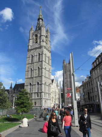 Belfry and Cloth Hall (Belfort en Lakenhalle)