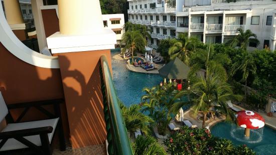 Karon Sea Sands Resort & Spa: depuis le balcon