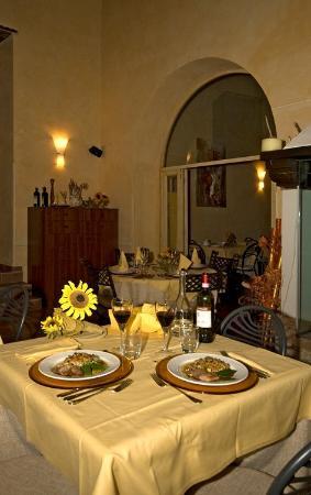 Castel San Gimignano, Italien: Le sale interne