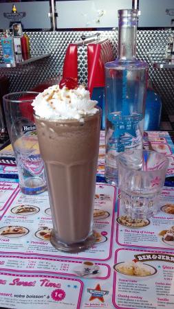 Milke shake chocolat - Picture of Memphis Coffee, Saint Marcel les ...