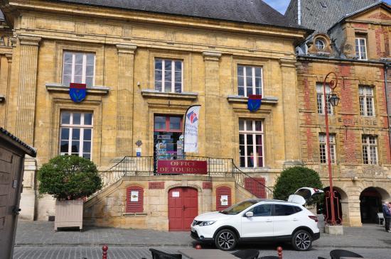 Tourist office on the place ducal picture of place - Office du tourisme charleville mezieres ...
