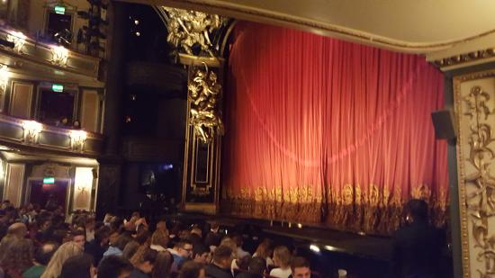 how to get to her majesty theatre london
