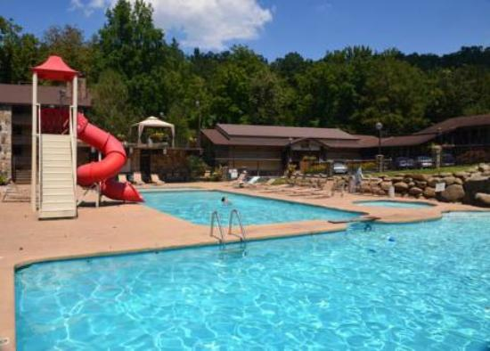 Brookside Resort Main Swimming Pool