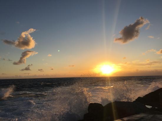 Stella Maris Resort Club: Sonnenaufgang am Strand