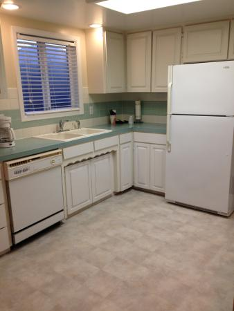 Gold Beach, OR: kitchen in family suite