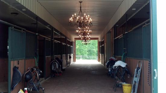 Lowesville, VA: A barn with a chandler and rooms we can afford.