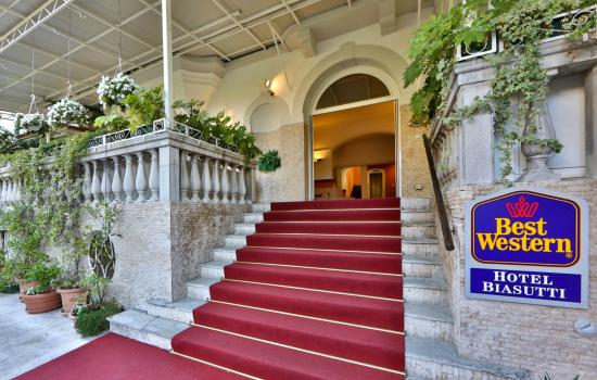 BEST WESTERN Hotel Biasutti: Entrance