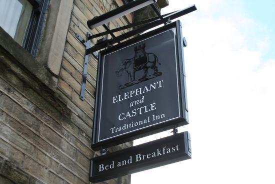 Elephant & Castle: Signage