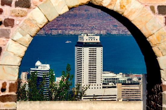 Hilton Izmir : Hotel Exterior