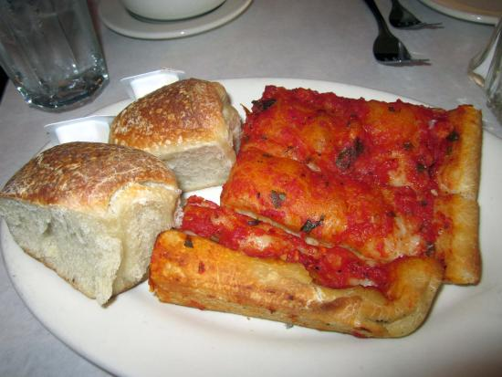 Feasterville, PA: Tomato Bread and warm rolls