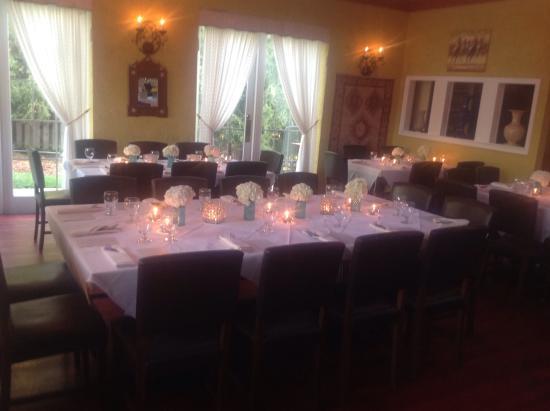 Great Falls, VA: Dining room area