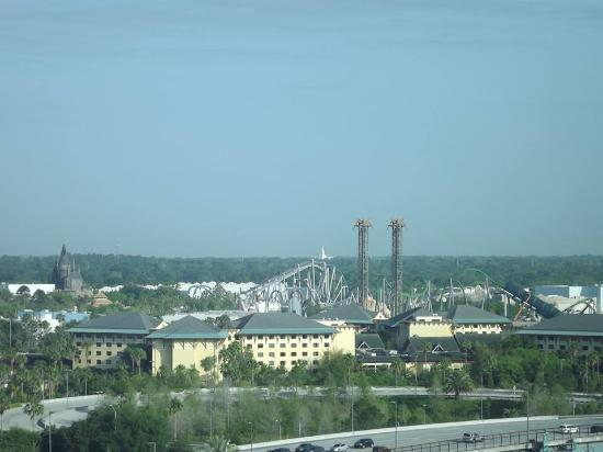 Four Points by Sheraton Orlando Studio City Hotel: View from our room - Universal Studios