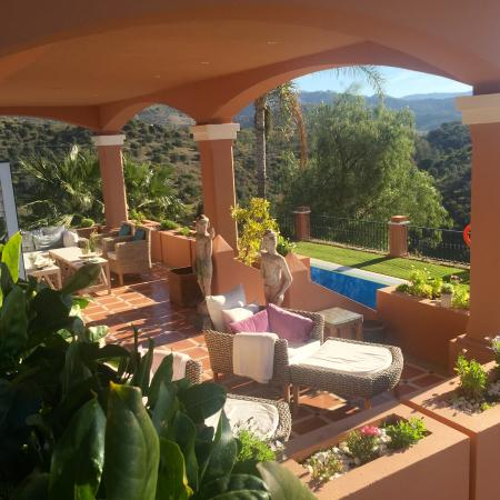 The Marbella Heights Boutique Hotel: terrace